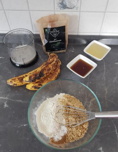 Veganes Bananenbrot mit Hanfsamen