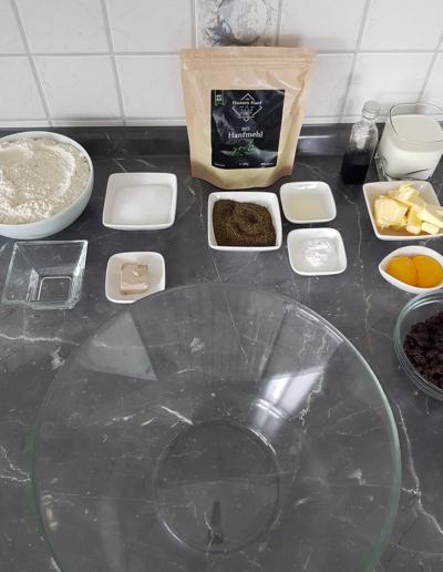 Zubereitung Rosinenbrötchen